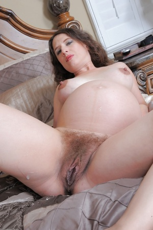 Wet Pink Pussy Gets Fucked